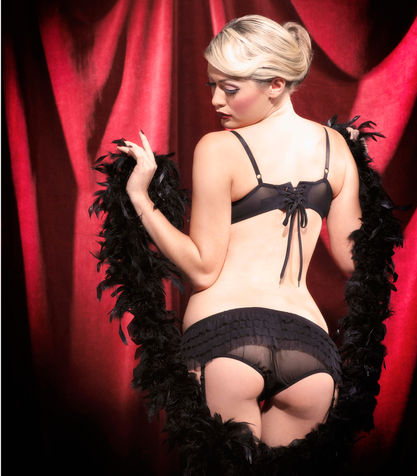 Come-nasce-il-Burlesque_su_vertical_dyn