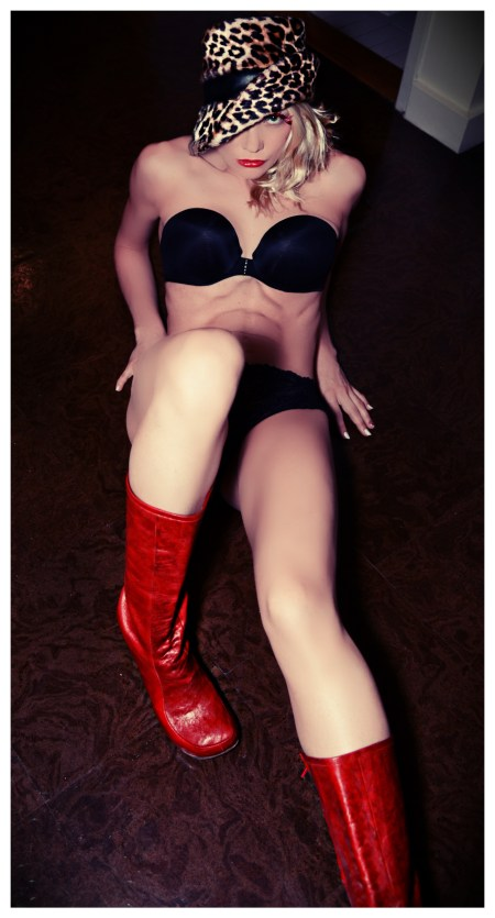 Diane_Foster_True_Scream_Queen (8)