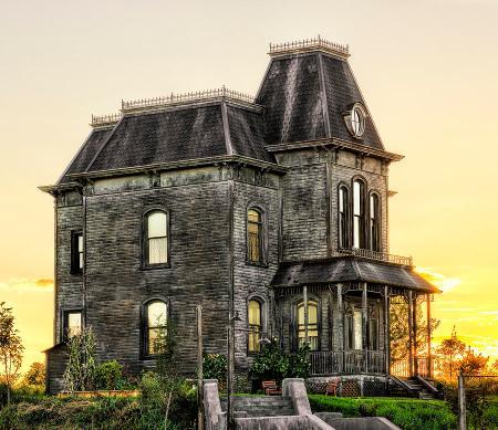 bates-motel-house