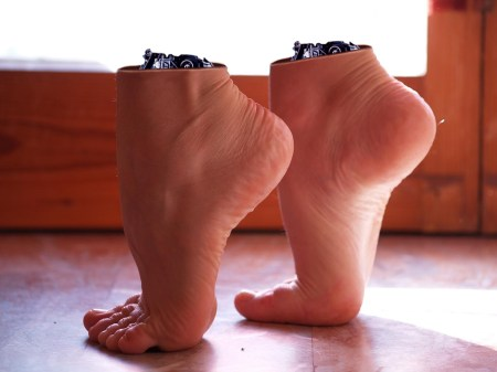 feet_manip_30_by_starbeats-d5dmzya