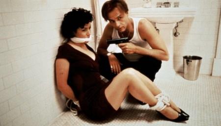 bound-1996-Andy-Wachowski-Lana-Wachowski-Jennifer-Tilly-Gina-Gershon-Joe-Pantoliano-movie-film-review-shelf-heroes