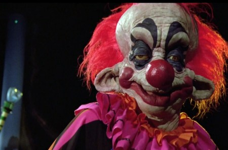 killer-klowns-from-outer-space-review (2)