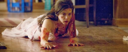 the-strangers-horror-review (5)