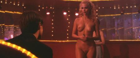 Elizabeth_Berkley_-Showgirls-4