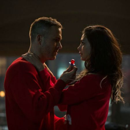 ryan-reynolds-and-morena-baccarin-play-the-lead-characters-in-deadpool-movie