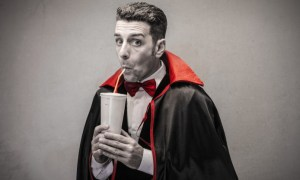 funny-humor-dracula-juice-thirsty-funny-humor-Dracula-juice-thirst-694x417