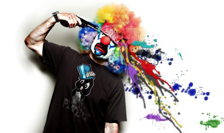 18725-clown-with-a-gun-2560x1600-digital-art-wallpaper