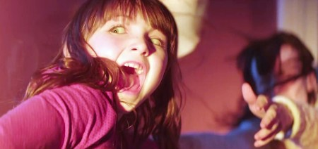 poltergeist_review_images_v02