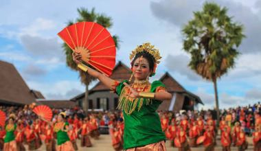 Tari Kipas Pakarena Gowa, Sulawesi Selatan