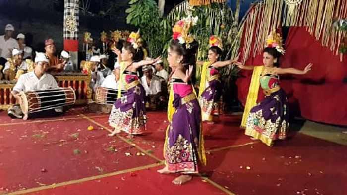 Musik pengiring tarian puspanjali