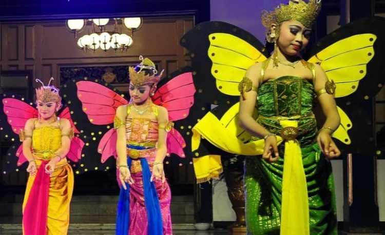 Alat musik pengiring tarian kupu kupu