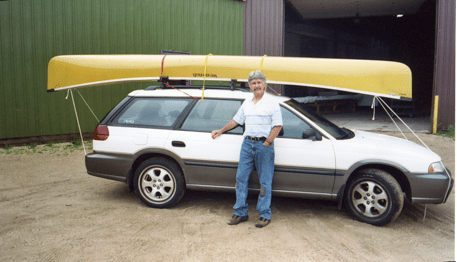 The author picking up the Wenonah Sprit II at the canoe factory in Winona, Minn.