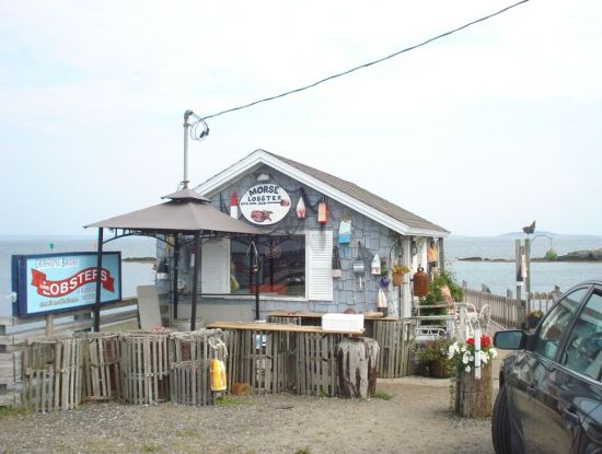 Morse's Cribstone Grill in Orr's and Baileys Island, Maine