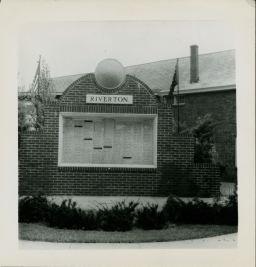 Riverton's War Memorial c.1946