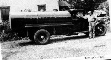 018_1938 July 25 - Evans oil delivery truck