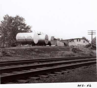 028_1946 August JT Evans oil tanks from across tracks - J.F. Yearly photo
