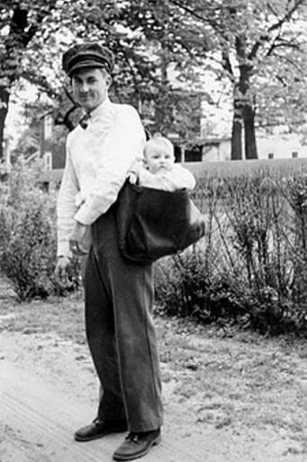 Riverton mail carrier and future postmaster Joseph L. Yearly with his nephew Joseph B. Yearly, 1938. PHOTO CREDIT: JOSEPH F. YEARLY PHOTO ALBUM