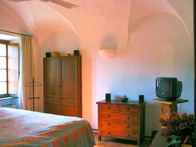 Another bedroom in the Isolalunga villa