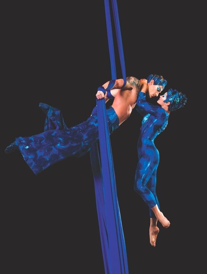 Cirque du Soleil pas de deux with serial silk