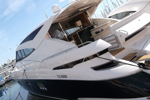 Cannes-Yacht-Show-2013-yacht-at-quayside