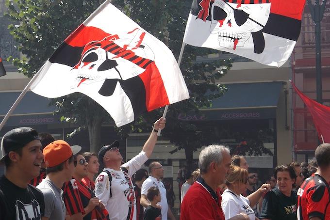 OGC Supporters in Nice's avenue Jean Médecin