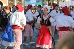 Traditional Nicois dancers at opening of Promenade du Paillon