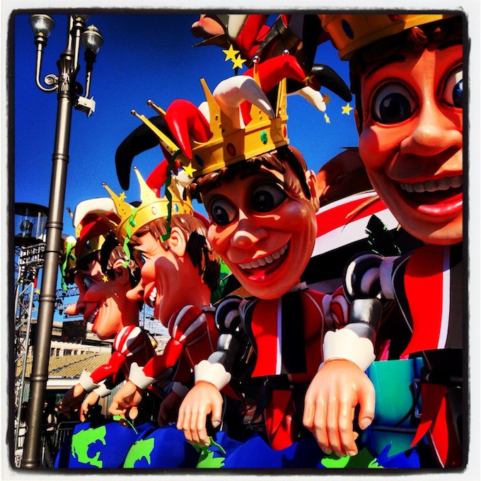 The King's helpers at Carnaval de Nice 2013