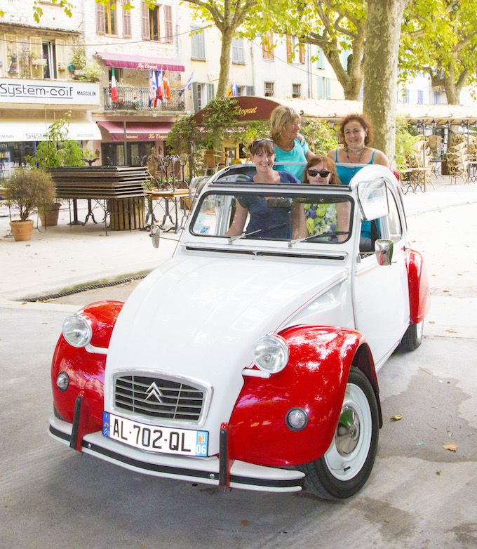 More 2CV action in Vence