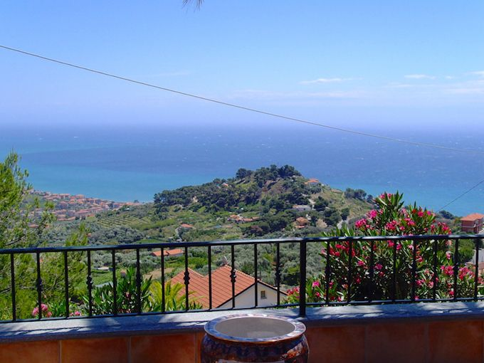 Terra Italia offer lovely Villa in Costarainera, Italy