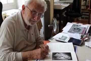 Lucien Clergue dans son atelier 2013 © Patricia Dupuy