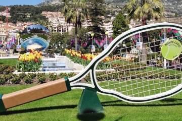 Tennis racquet at Place du Casino in Monte-Carlo © RIVIERA BUZZ
