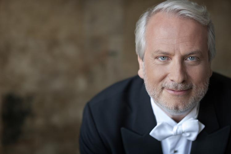 Philippe Auguin © Dario Acosta conducts Nice Philharmonic Orchestra