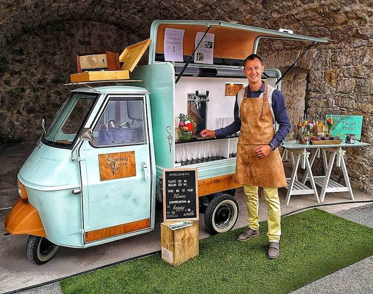 Sparkling Van & Corin