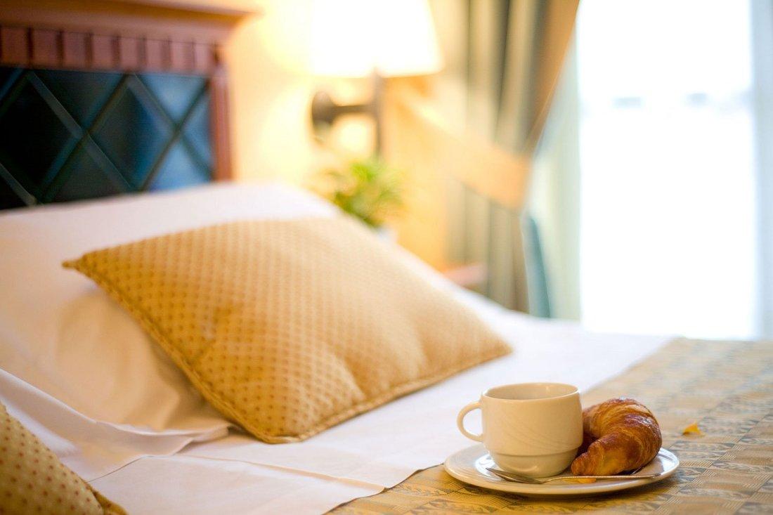colazione a letto Hotel savoia