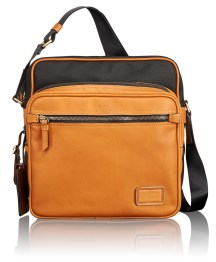 Tumi S055055DTN NS Crossbody -495€
