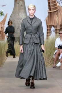 DIOR_Haute-Couture-AW2017-18_luxe-net_fashion_week-model