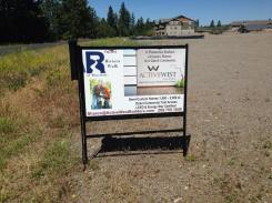 New Riviera Walk Sign