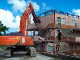 Destruction-ecole-fonds-masson_Mairie_Riviere_Salee-A