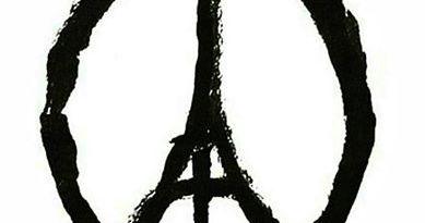 pray for Paris tour Eiffel and Peace