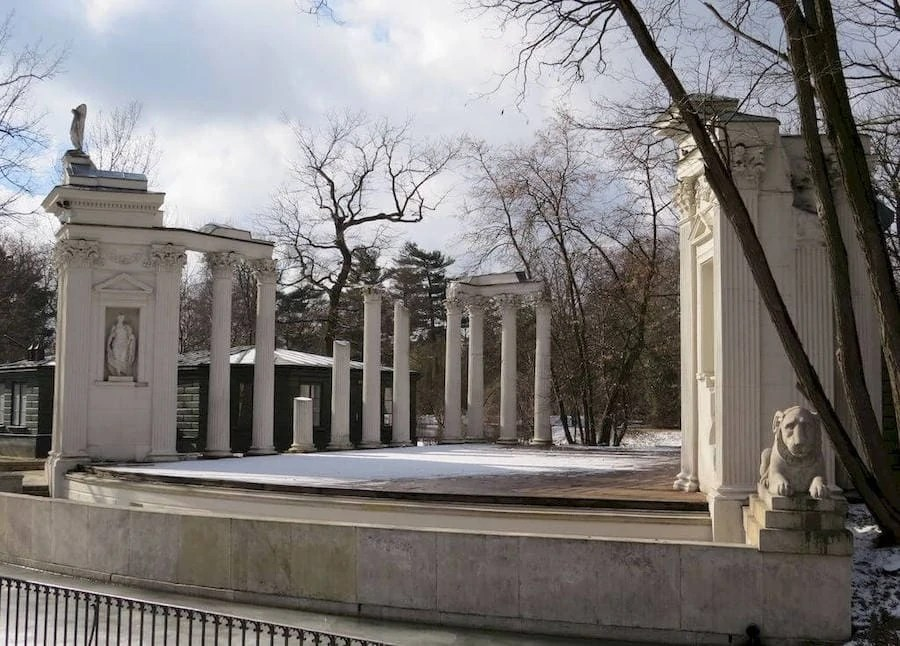 anfiteatro romano park lazienki varsavia