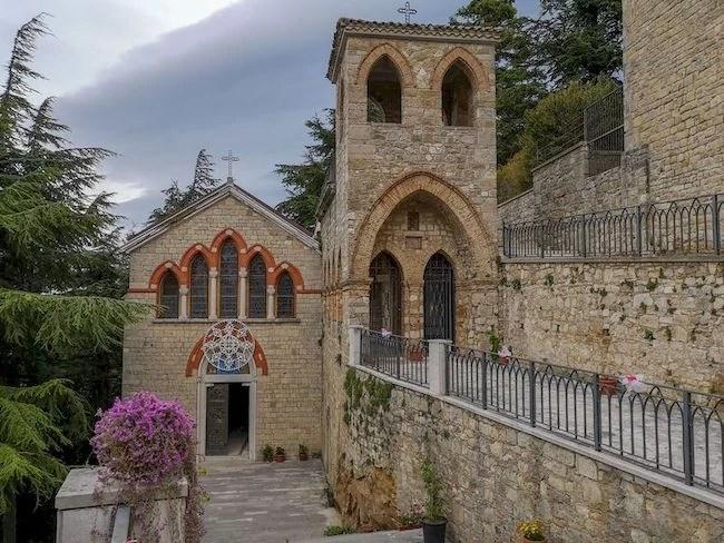 Esterno Abbazia di Sant'Angelo Orsara di Puglia