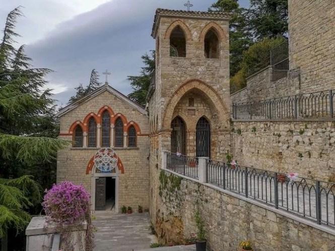 Grotta di San Michele e chiesa Orsara di Puglia