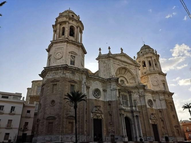 cadice cattedrale esterno