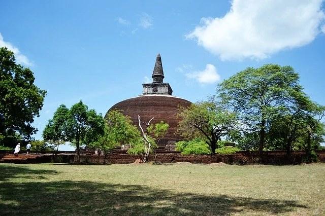 polonnaruwa stupa sri lanka