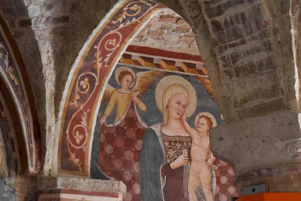 Madonna con Bambin Gesù e due angeli santa maria della rocca offida
