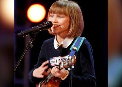 "Berbekal Ukulele, Gadis Kecil Ini Diprediksi Jadi ""The Next Taylor Swift""!"