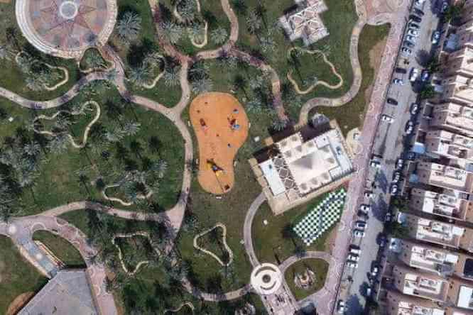 أمير منطقة الرياض يفتتح 10 حدائق في أحياء الرياض