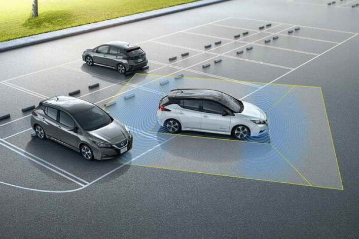 """""""نيسان ليف"""" الجديدة كلياً تنهض بمعايير الجودة في عالم السيارات الكهربائية"""