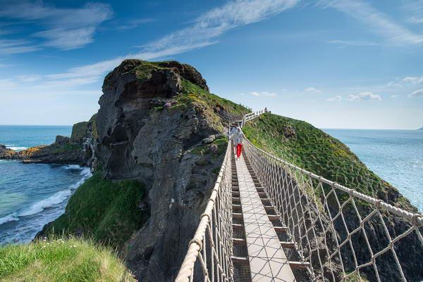 مغامرات متنوعة لاستكشاف معالم جزيرة أيرلندا الخلابة