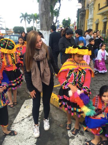 Défilé des enfants pour la Fête de la Patrie, Lima